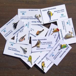 Kovové odznaky vtáčikov